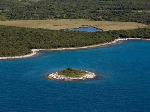 Palud-Bay-Dagita-Rovinj-Croatia
