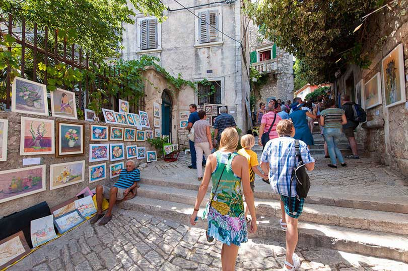 grisia-street-rovinj-croatia